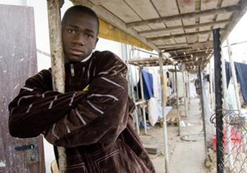 Африканский беженец в Южном Тель-Авиве