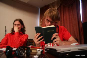 Атеисты против теистов: на чьей стороне правда?