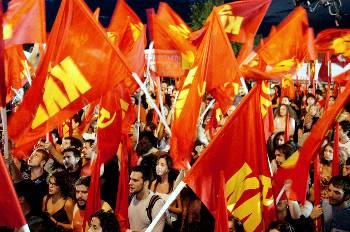 Первый ответ: Сегодня – демонстрации КПГ. Завтра – новая всеобщая забастовка ПАМЕ.